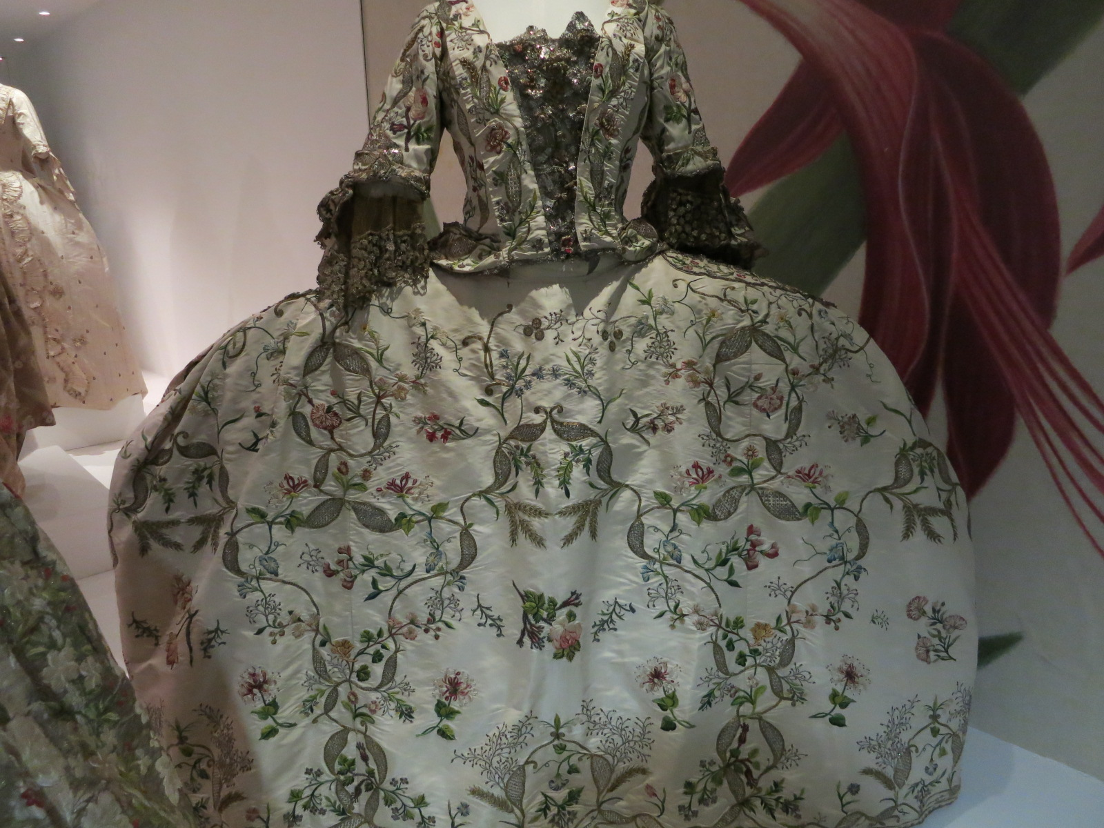 'Georgians: Dress for Polite Society' exhibition at Bath Museum, UK 2015