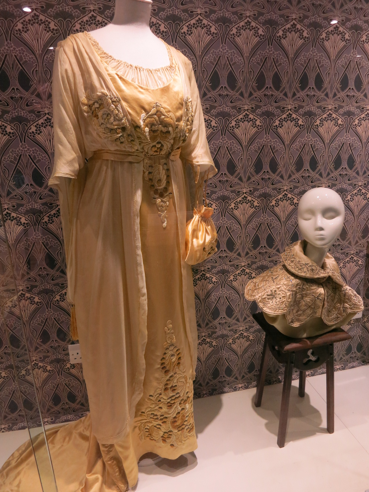 Liberty in Fashion exhibition at the Fashion & Textile Museum, Bermondsey, London 2015. These two exhibits are a c1910 afternoon dress and an 1895 collar