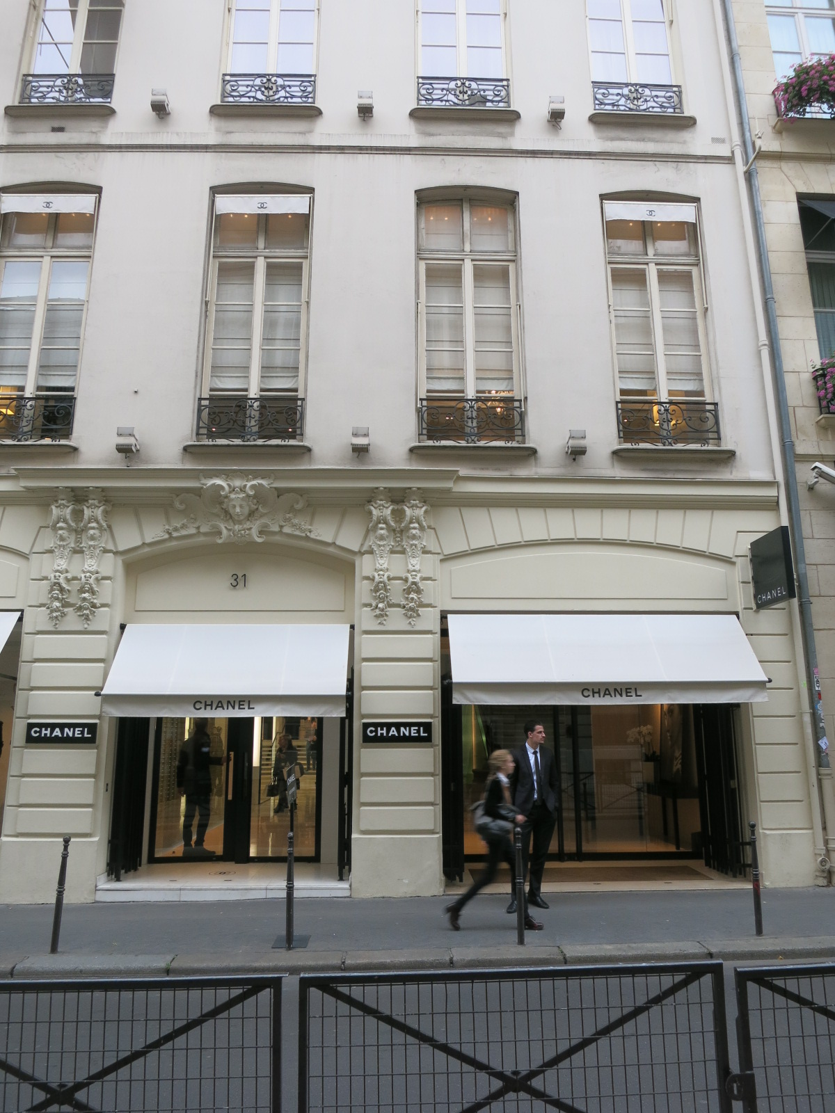 Coco Chanel 31 rue Cambord, Paris
