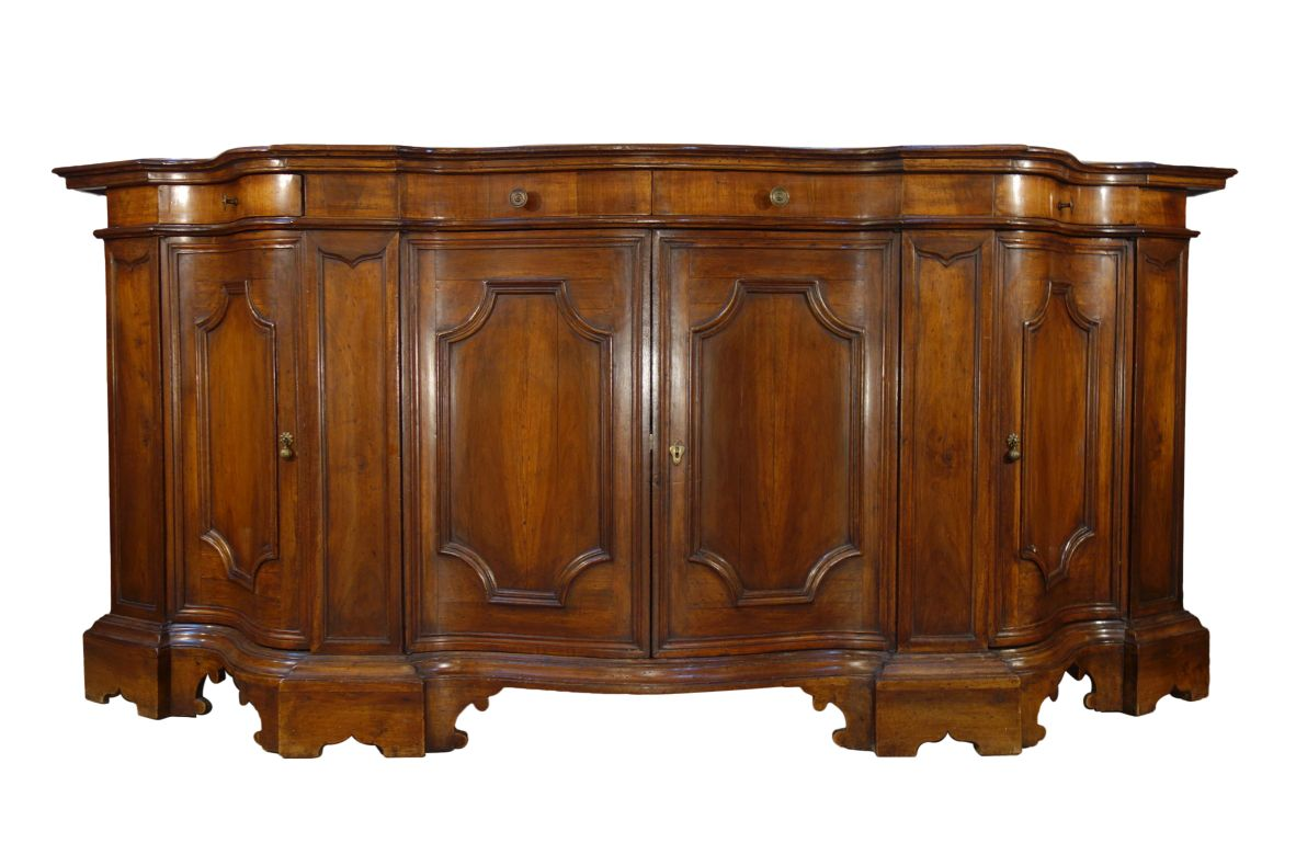19th Century Venetian Serpentine Shape Credenza