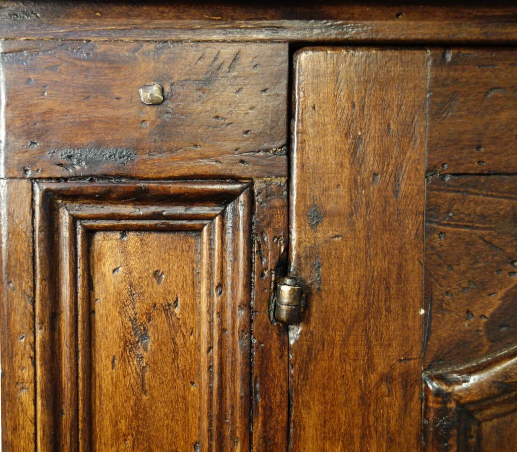 Fine attention to details and solid wood construction.