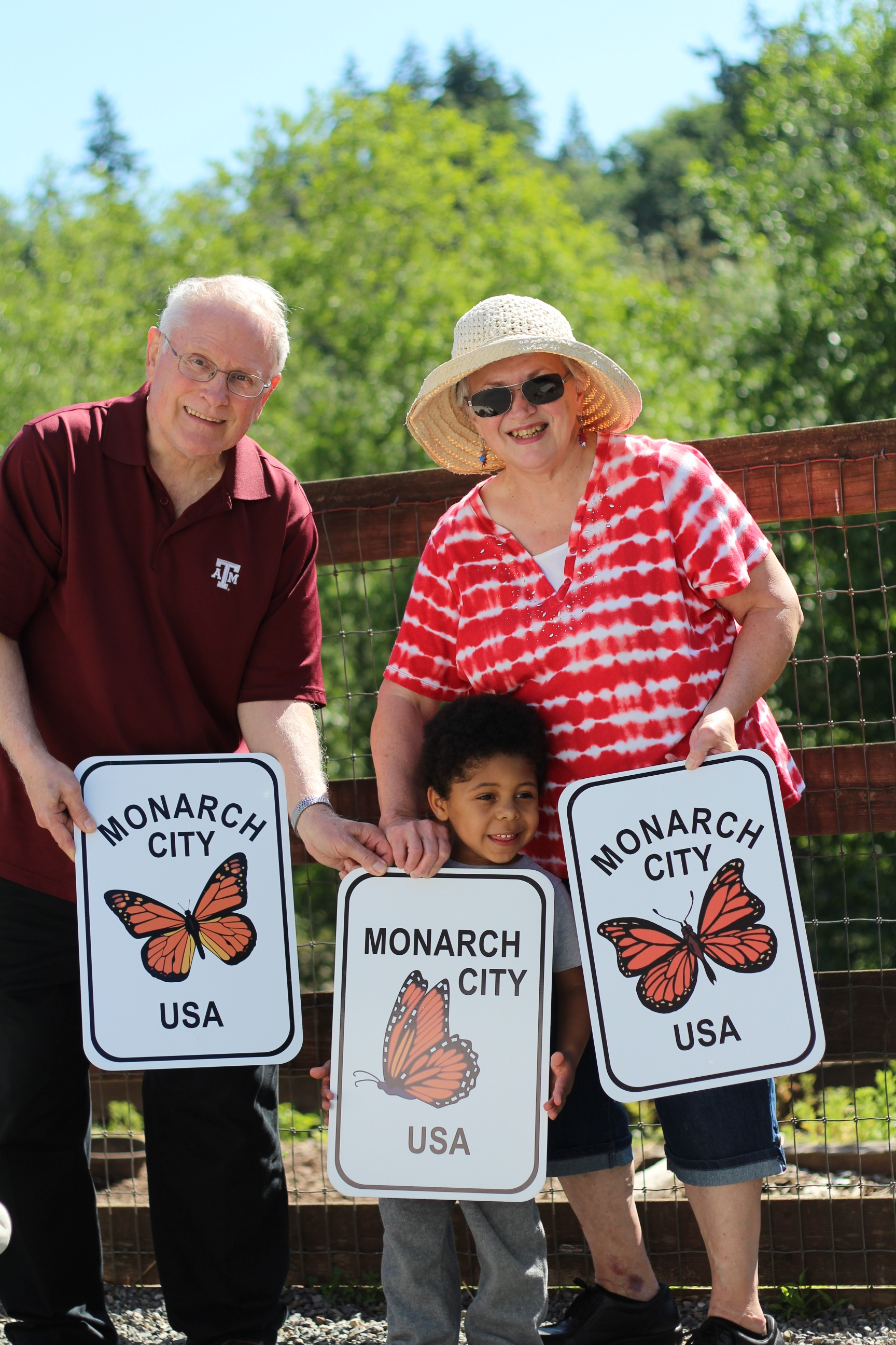 Founder Russ Stubbles and his wife, Beverly, with their grandson.