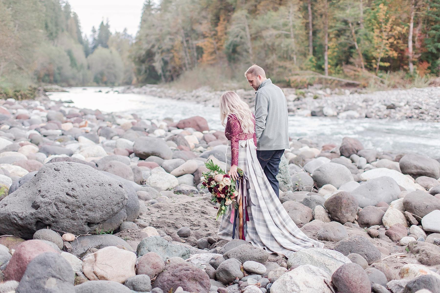 seattle-river-elopement_0026.jpg