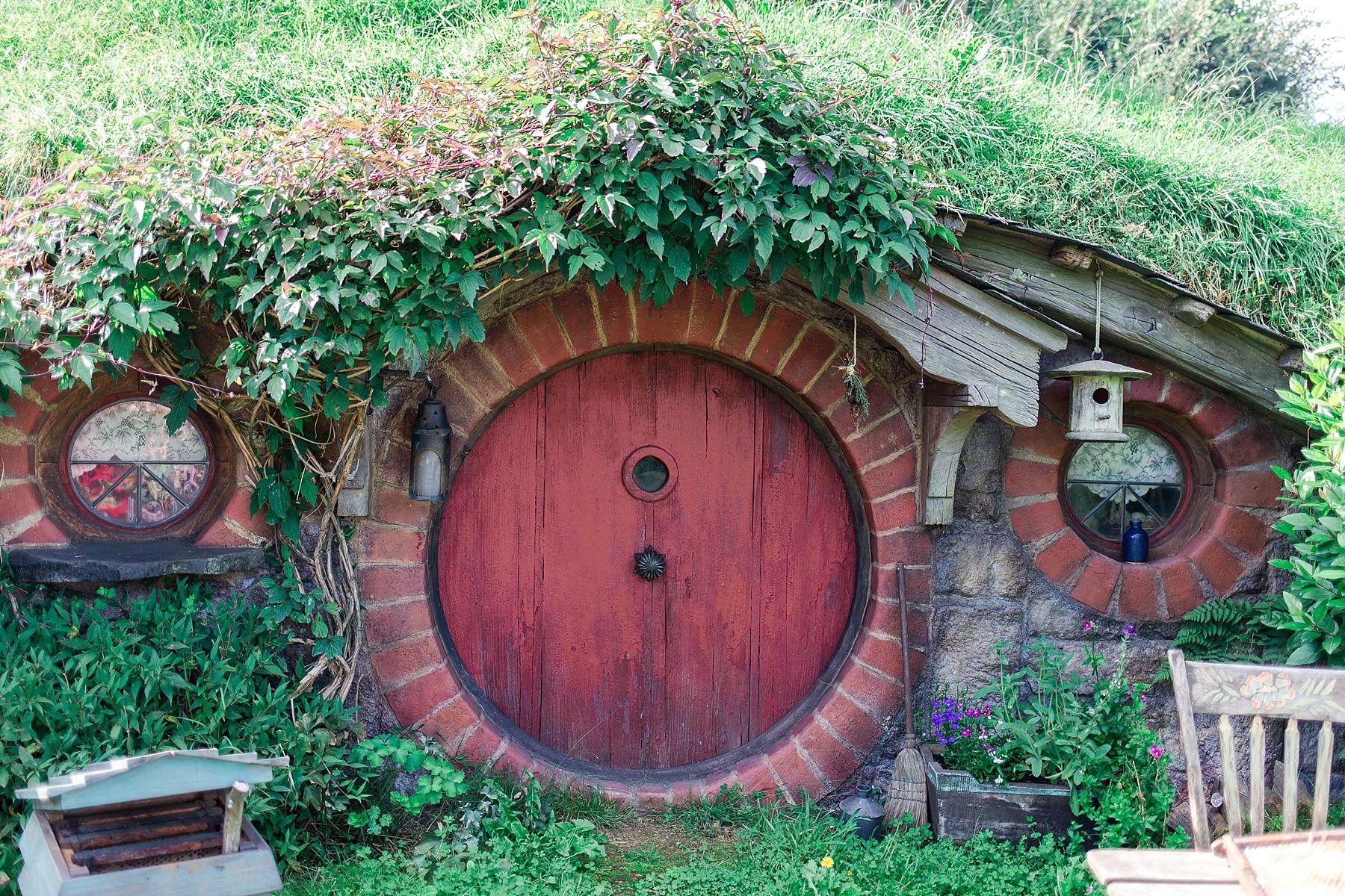 hobbiton-movie-set-matamata-hamilton-north-island-new-zealand-scenery_0246.jpg