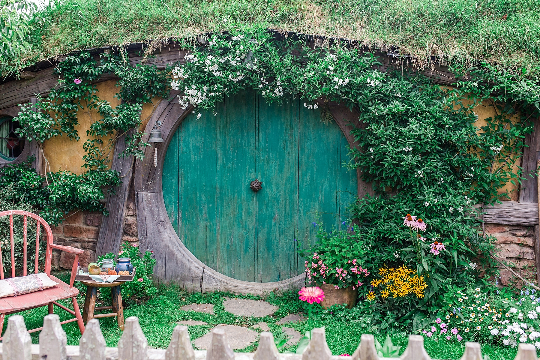 hobbiton-movie-set-matamata-hamilton-north-island-new-zealand-scenery_0258.jpg
