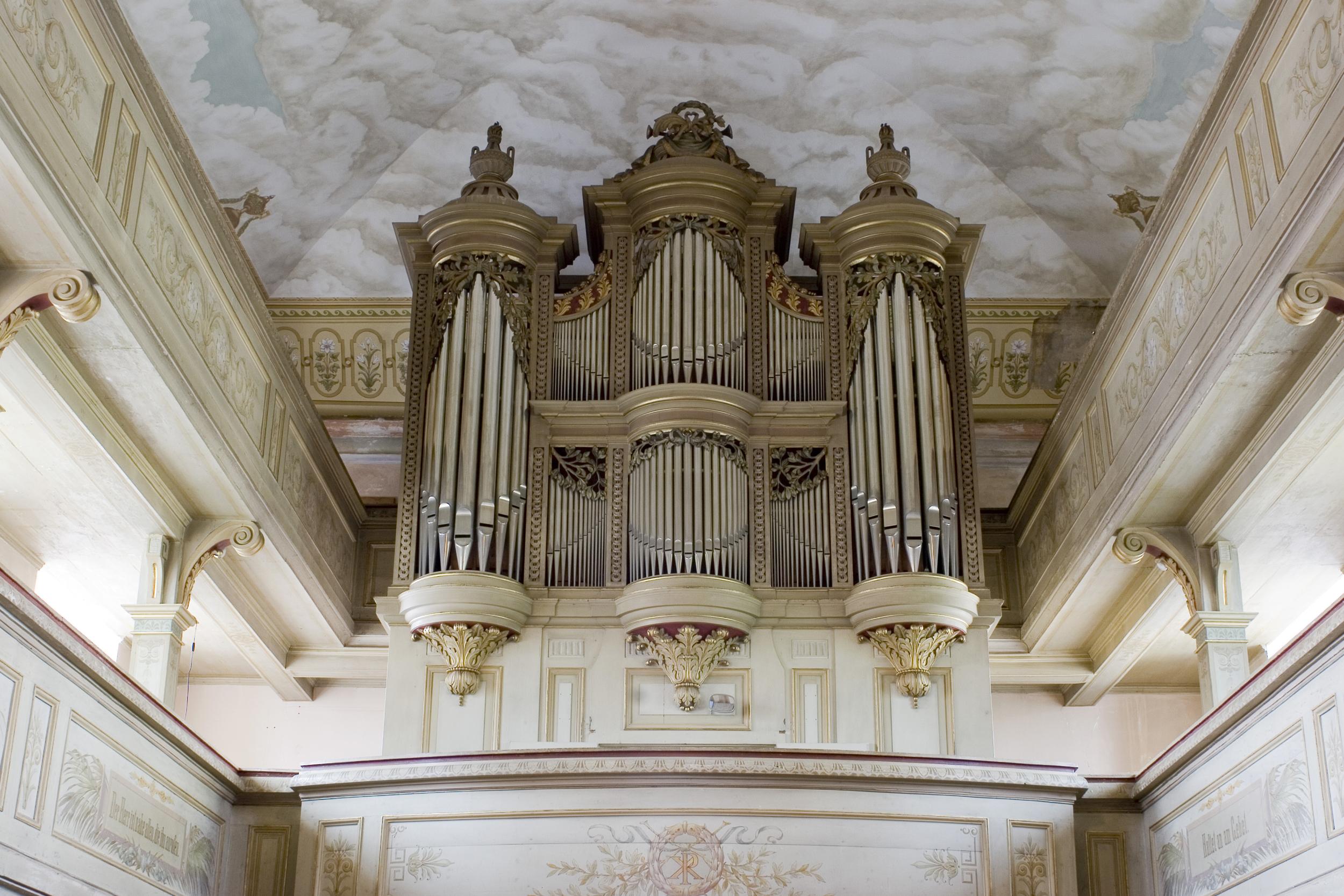 9_Franziska_Frenzel_kirche.jpg