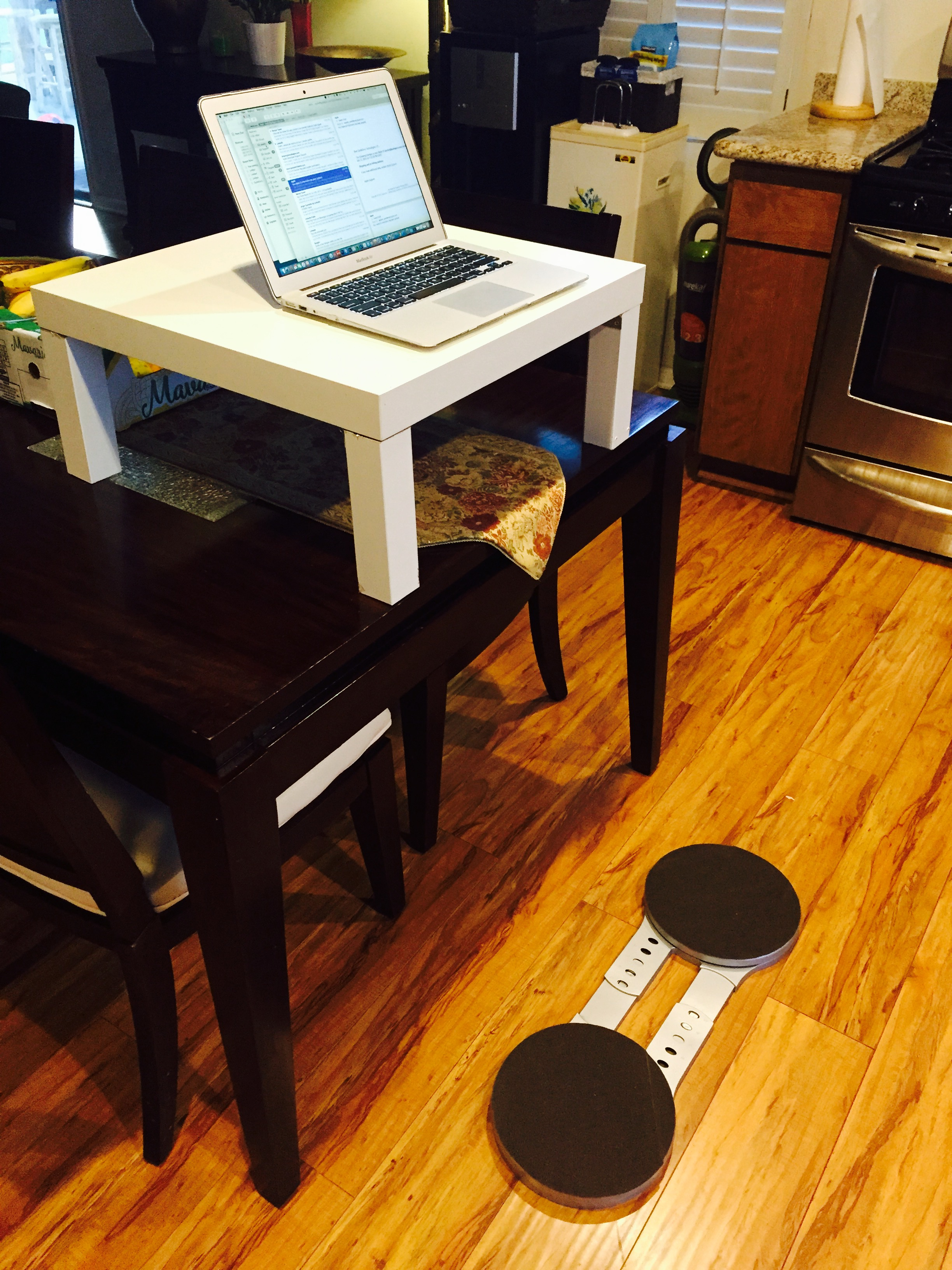 OMBEE desk Version 1 with 8board- Standing up with lower body movement on a budget, the perfect combination.