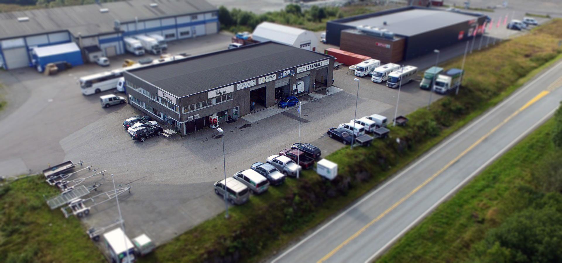 Bilhuset Mongstad finner du strategisk plassert bare hundre meter sør for Mongstadkrysset.