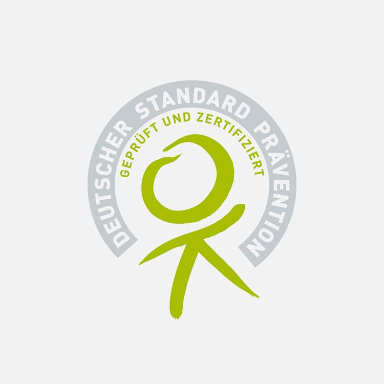 """Fit und gesund mit Siegel! - Unsere Präventionskurse sind alle von der Zentralen Prüfstelle Prävention geprüft und zertifiziert.Die Kooperationsgemeinschaft gesetzlicher Krankenkassen zur Zertifizierung von Präventionskursen – § 20 SGB V bestätigt mit diesem Zertifikat, dass die Qualitätskriterien des """"Leitfaden Prävention"""" des GKV-Spitzenverbands zur Umsetzung des § 20 SGB V für die o.g. Präventionskurs erfüllt sind."""