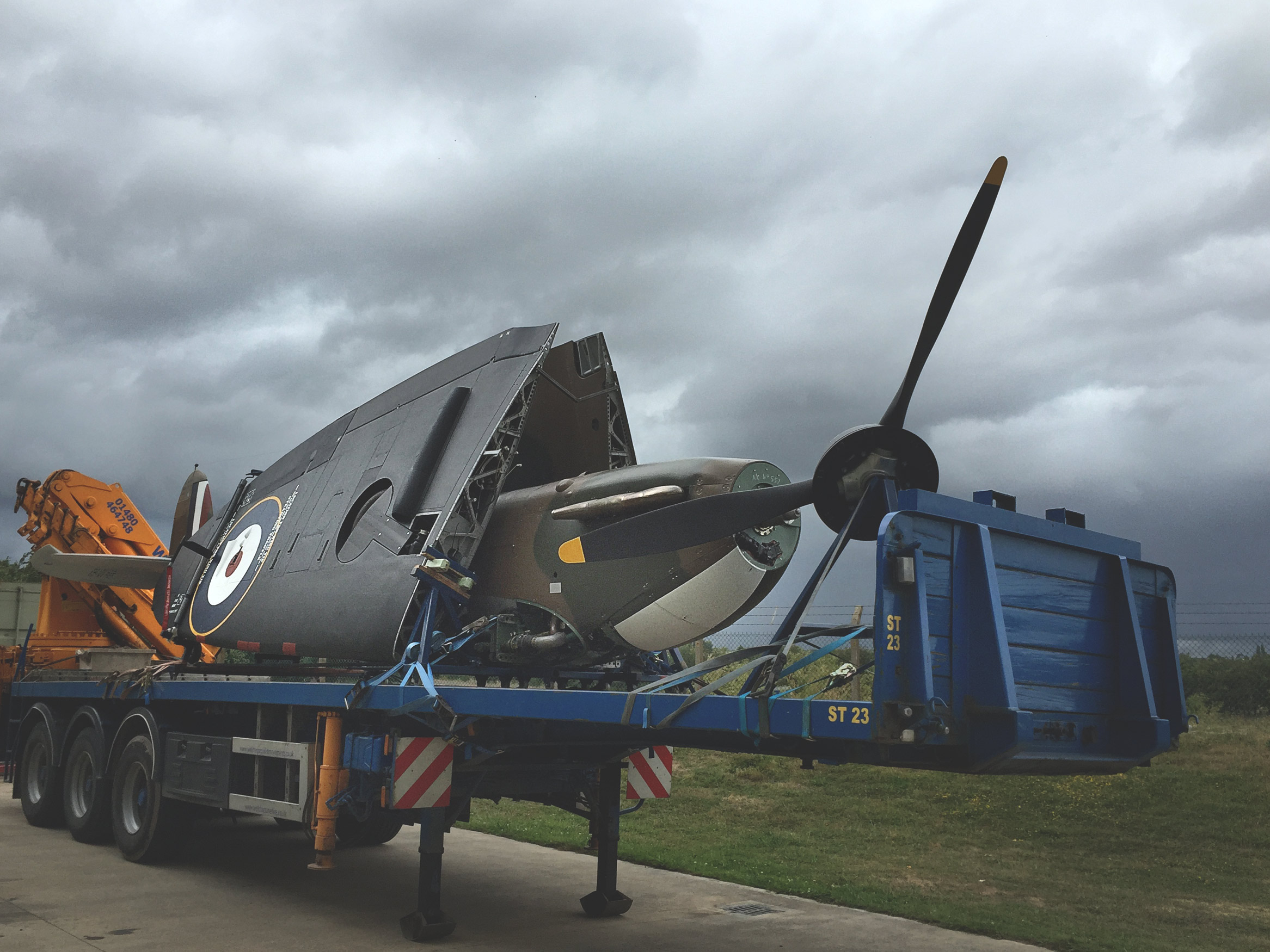 spitfire-mk1a-on-trailer