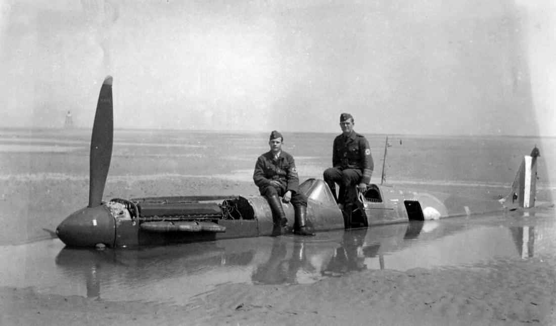spitfire-P9374-on-beach.jpg
