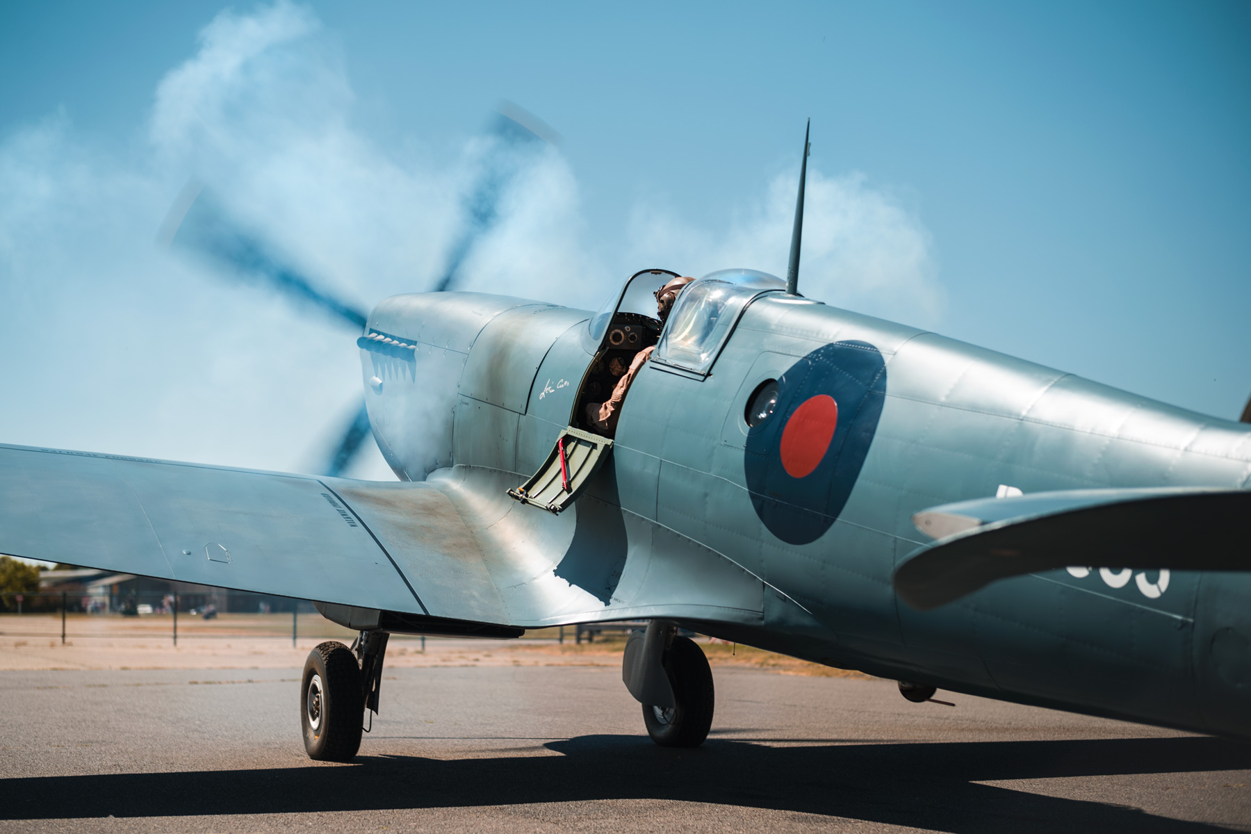ARCo-Spitfire-PL983-Engine-start-gallery.jpg