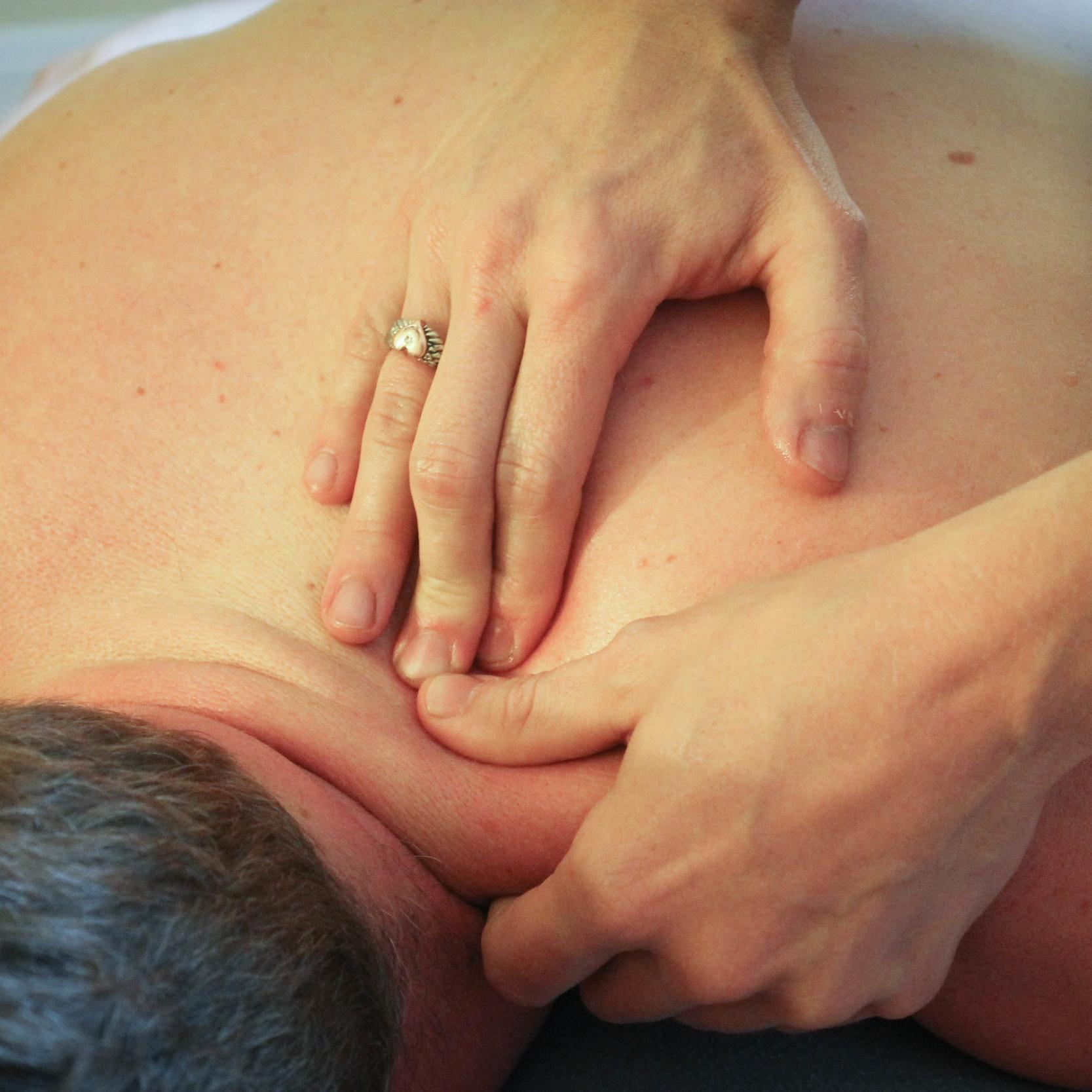 2015.08 KM in studio massage shoot (36 of 81).jpg