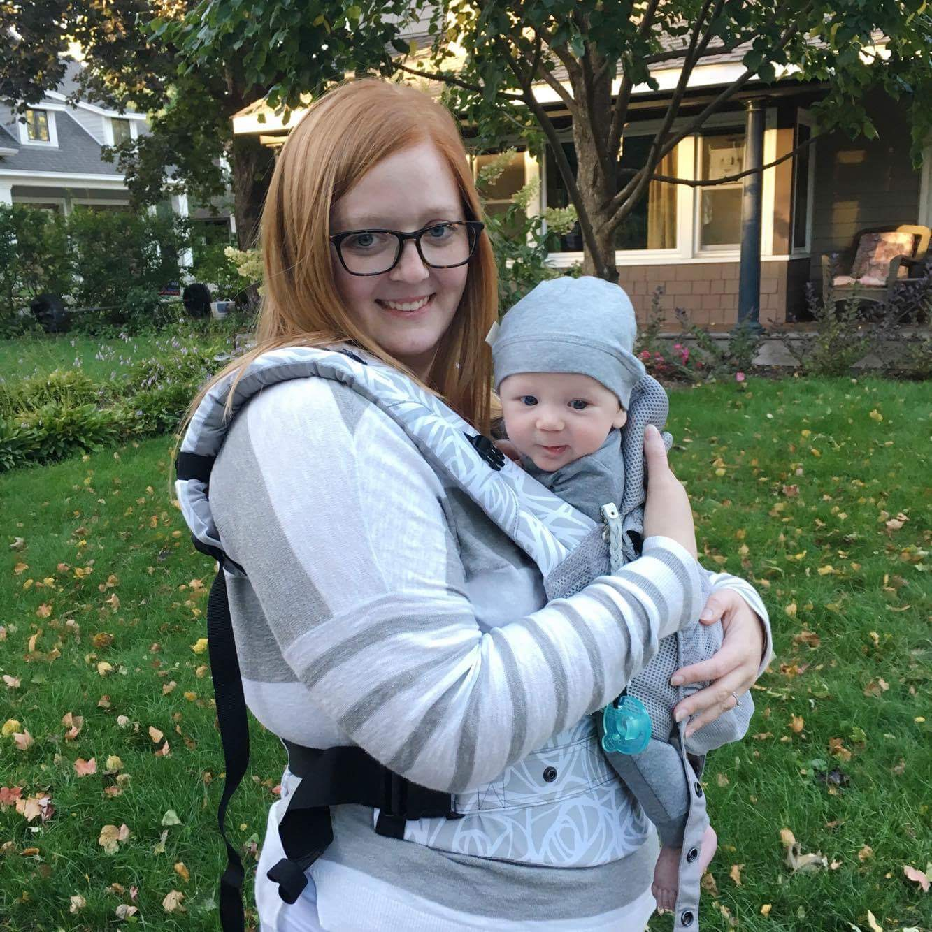 Amanda and Owen wearing the  LI´LLE´baby  Carrier.