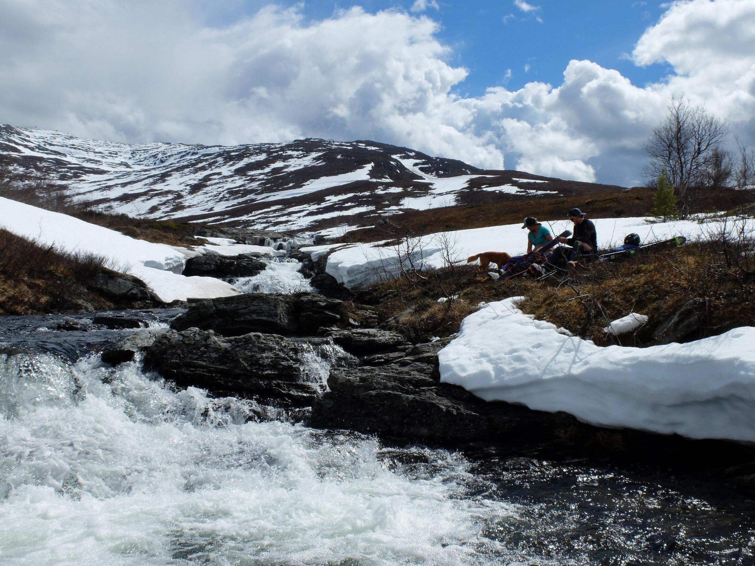 Tur till Västerskutan 4 juni, hade försvunnit en hel del snö väldigt snabbt.