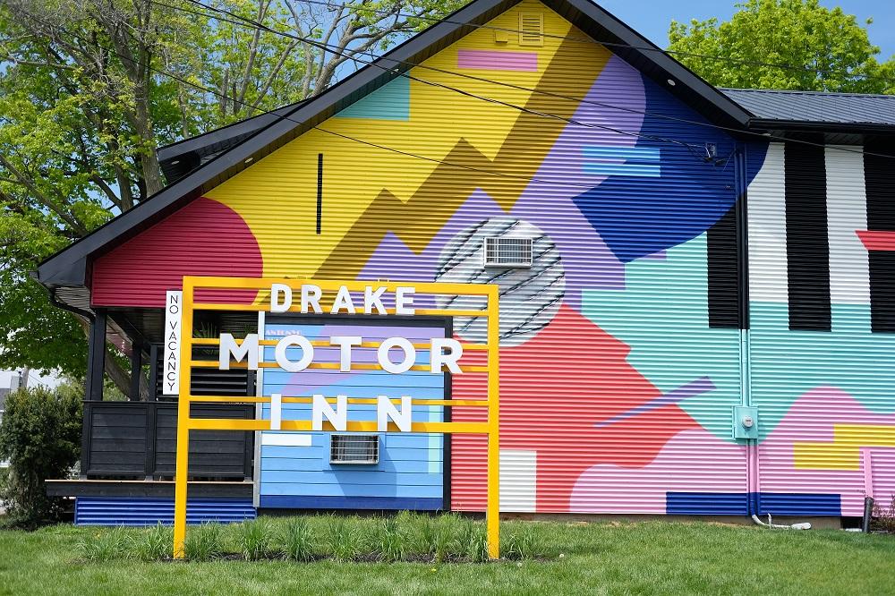 IMAGE CREDIT:   Drake Motor Inn