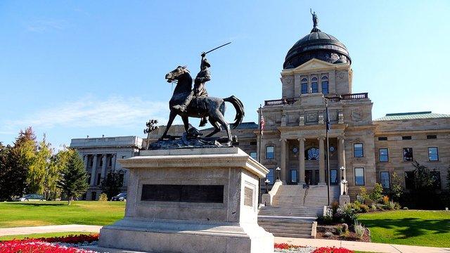 statecapitolbuildings_montana_helena_wikimediacommons.jpg