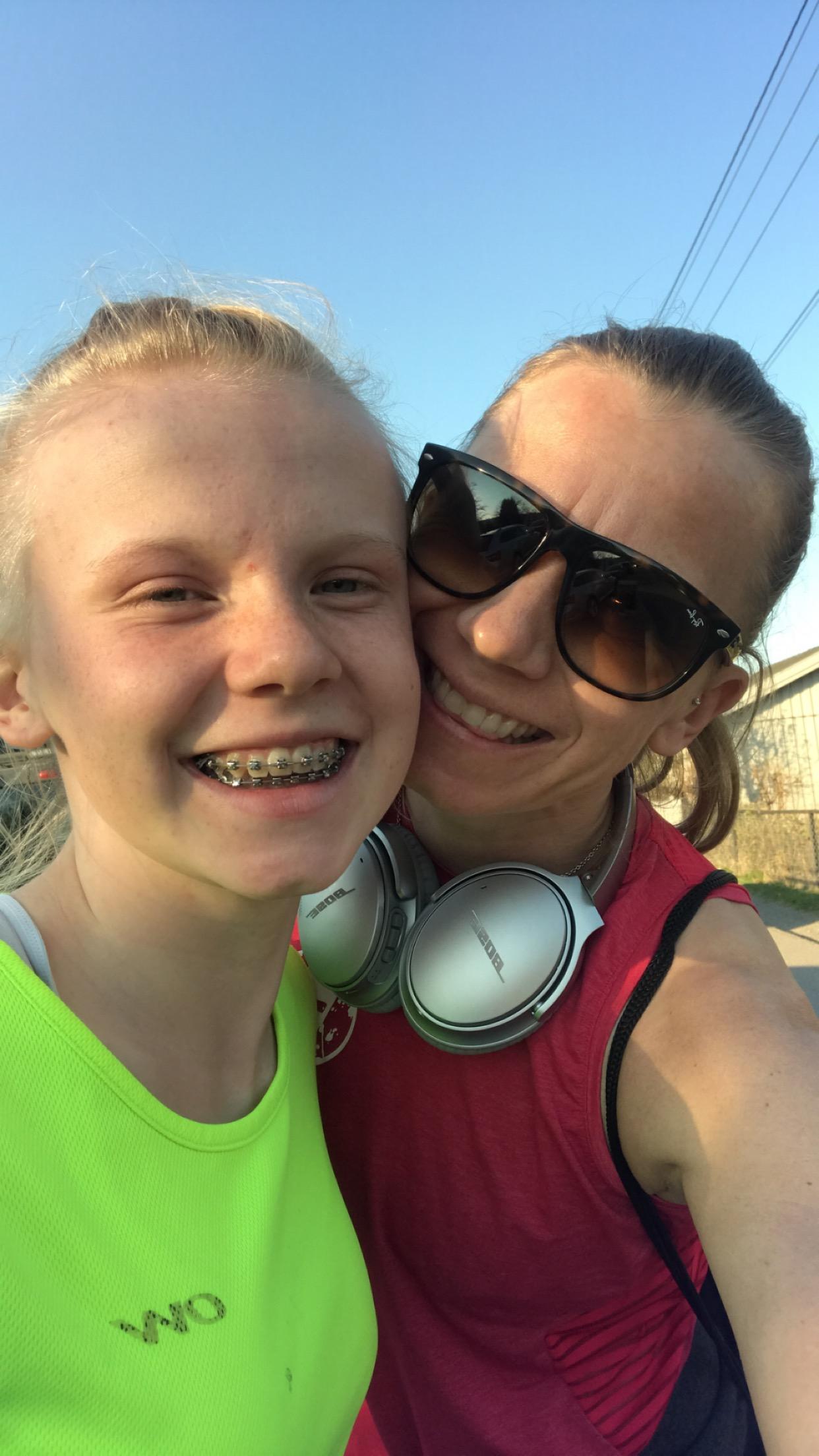 Stjerna mi skal også løpe, siste etappe på Fun-laget!!! Håper jeg rekker å se henne ❤️  Hvis noen har lyst til å heie på oss finner dere oss ved Mailund skole kl 19!  KlemMari