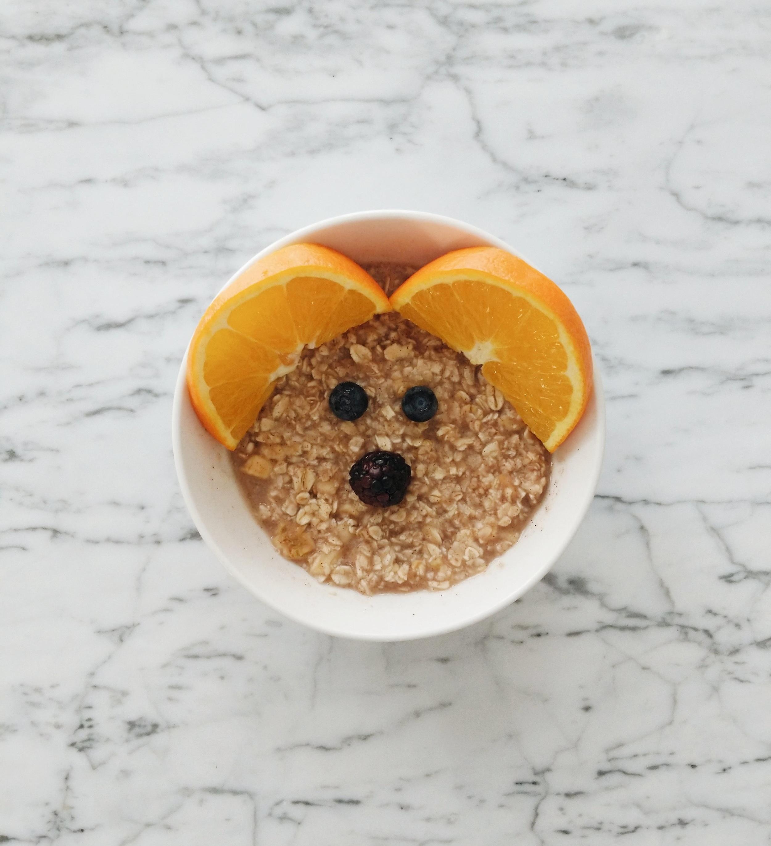 missjesscraven-toddlerbreakfast-oatmeal.jpg