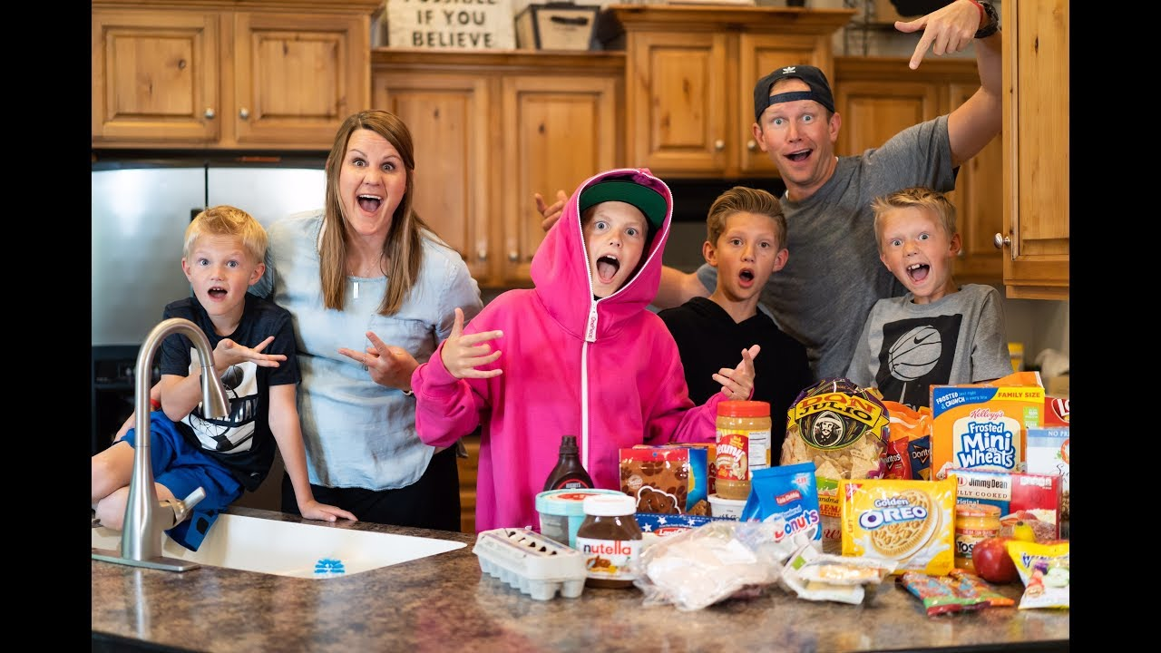EPIC FAMILY SANDWICH-MAKING CHALLENGE - CLICK HERE TO WATCH IT