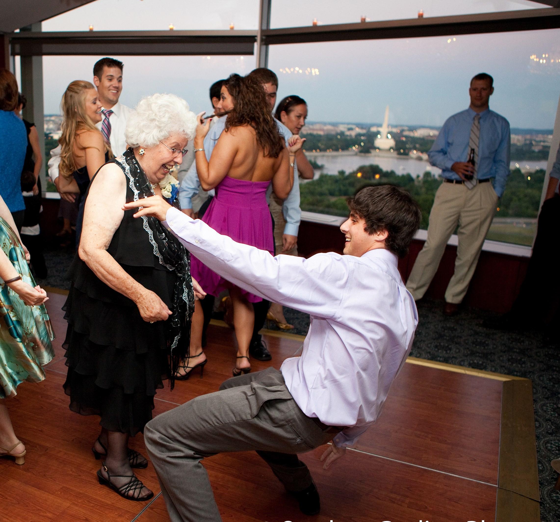 SG_Erinn&Ryan break dance w older lady_665.jpg