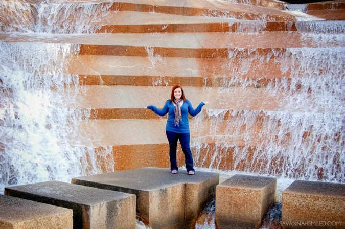 couples-road-trip-fort-worth-water-gardens-5.jpg