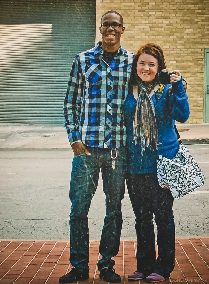 couples-road-trip-fort-worth-water-gardens-2.jpg