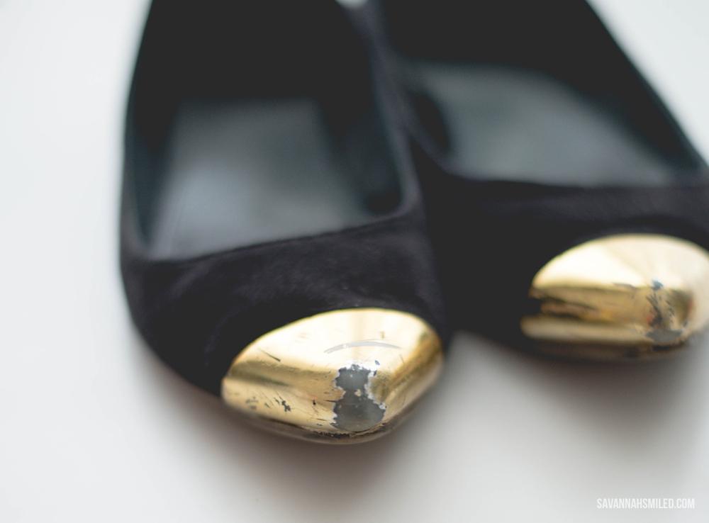 repair-gold-shoes-spray-paint-2.jpg