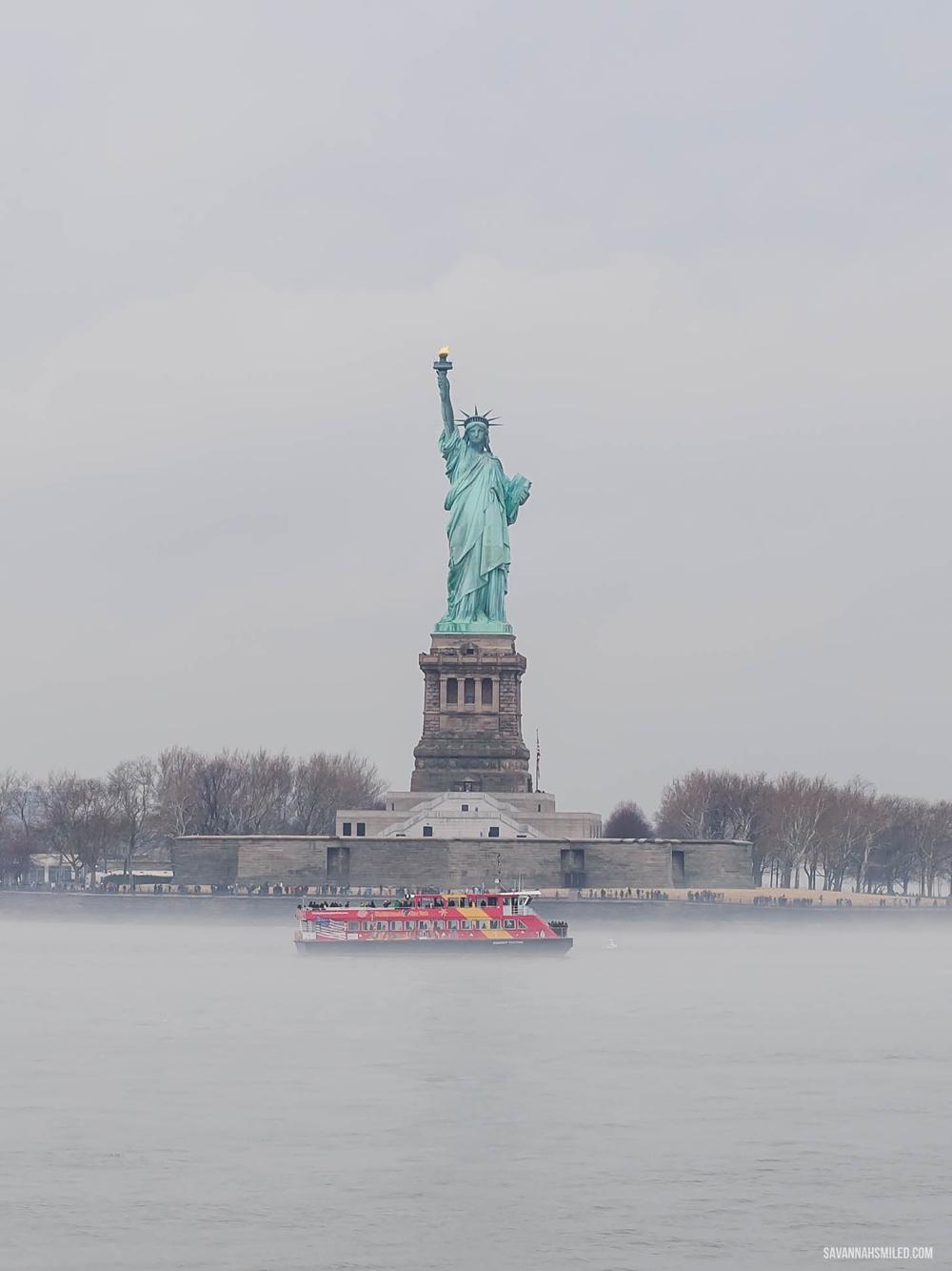 statue-of-liberty-free-new-york-cheap-tip-7.jpg