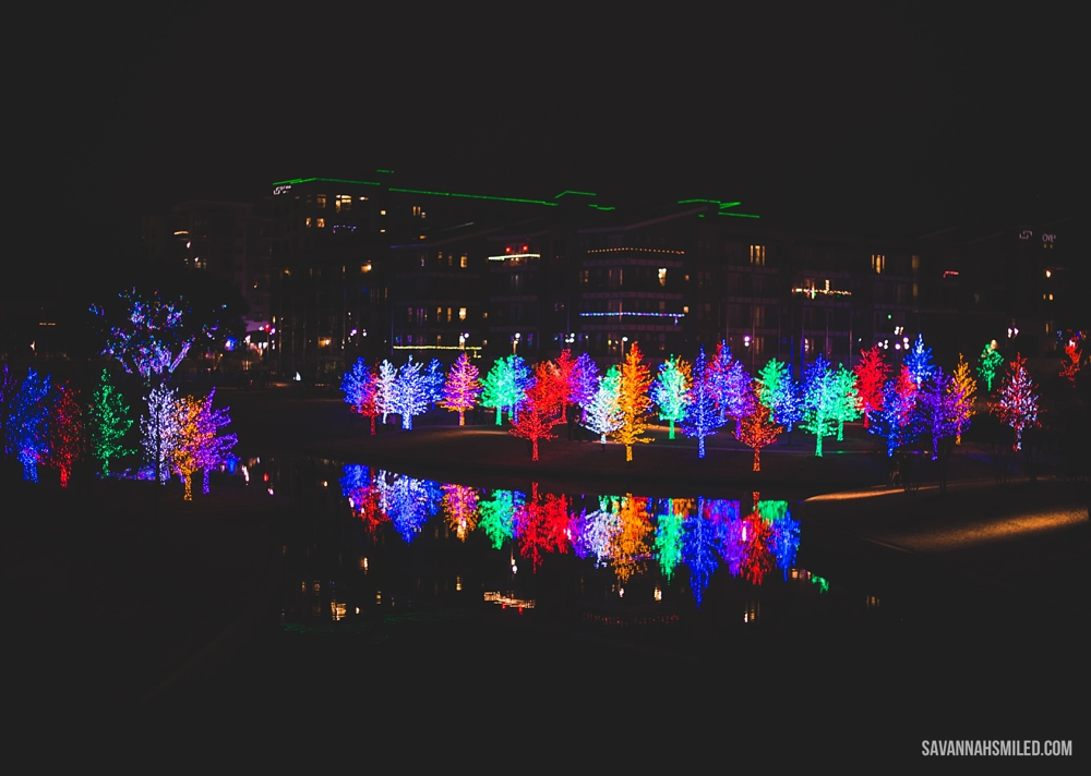 addison-vitruvian-park-dallas-christmas-lights-14.jpg