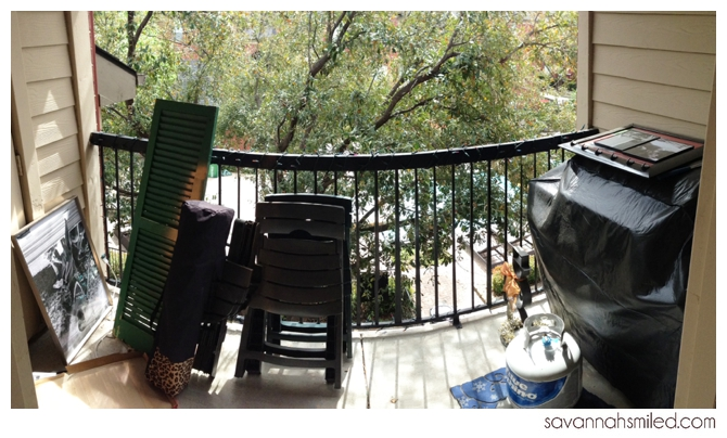 small-apartment-balcony-porch-ikea-design-photo.jpg