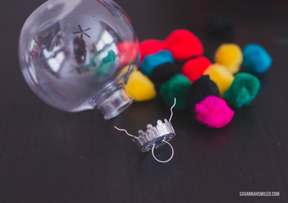 fuzzy-balls-christmas-ornament-craft-2.jpg