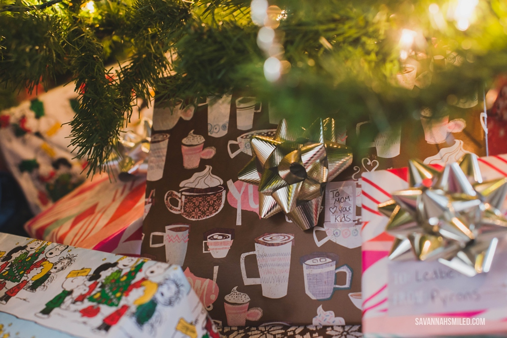 mix-up-christmas-gift-wrap-colors-under-tree-3.jpg