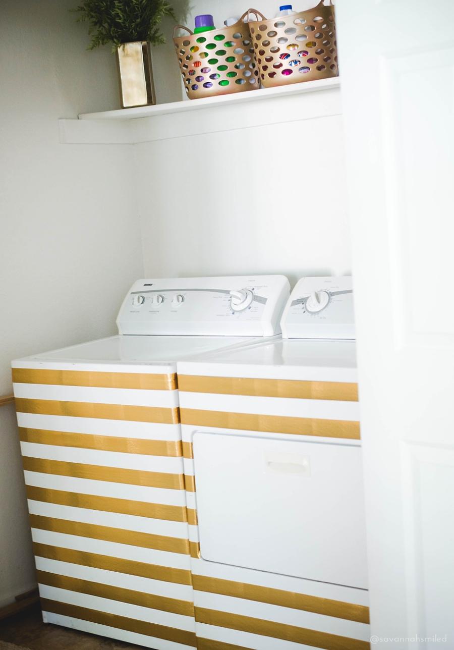 gold-striped-laundry-room-makeover-1.jpg