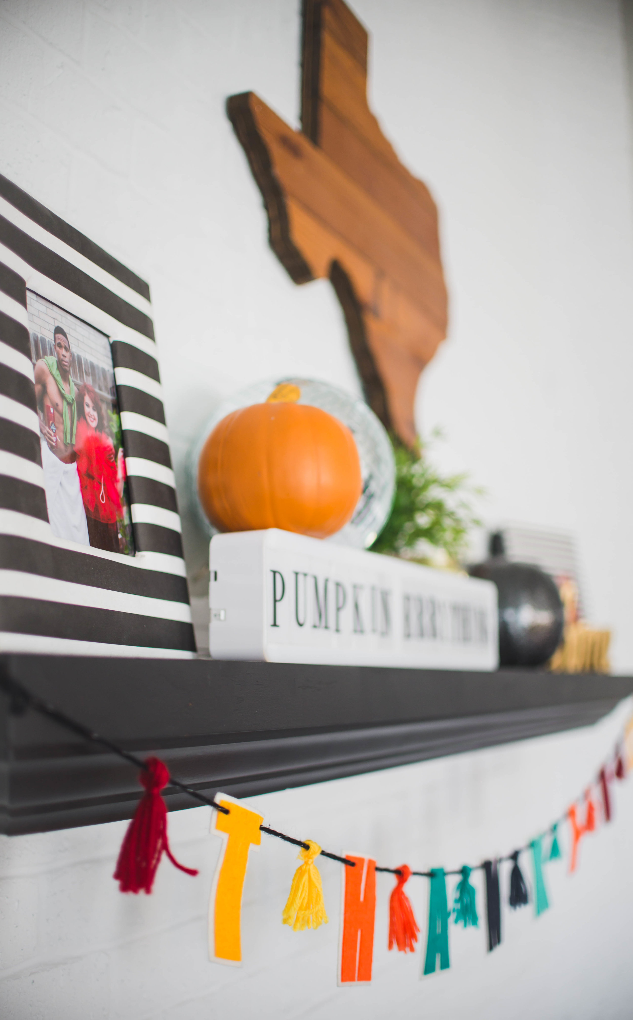 fall-halloween-decorations-14.jpg