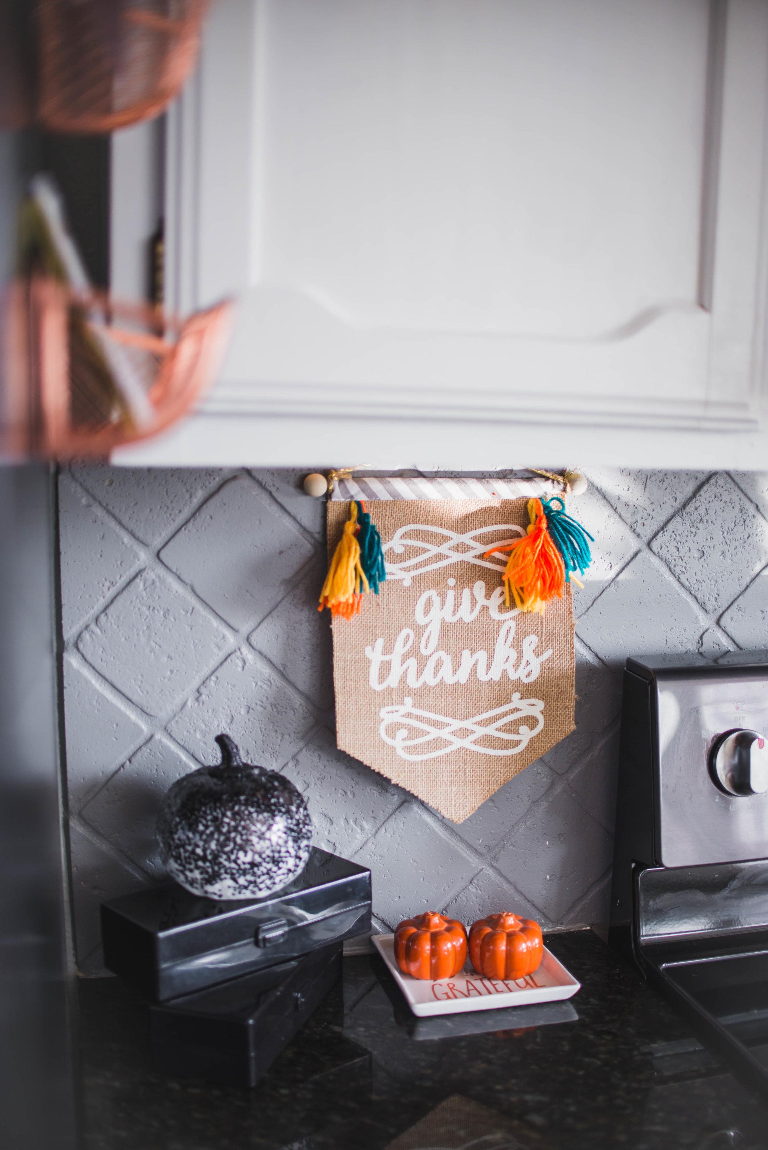 fall-halloween-decorations-45.jpg