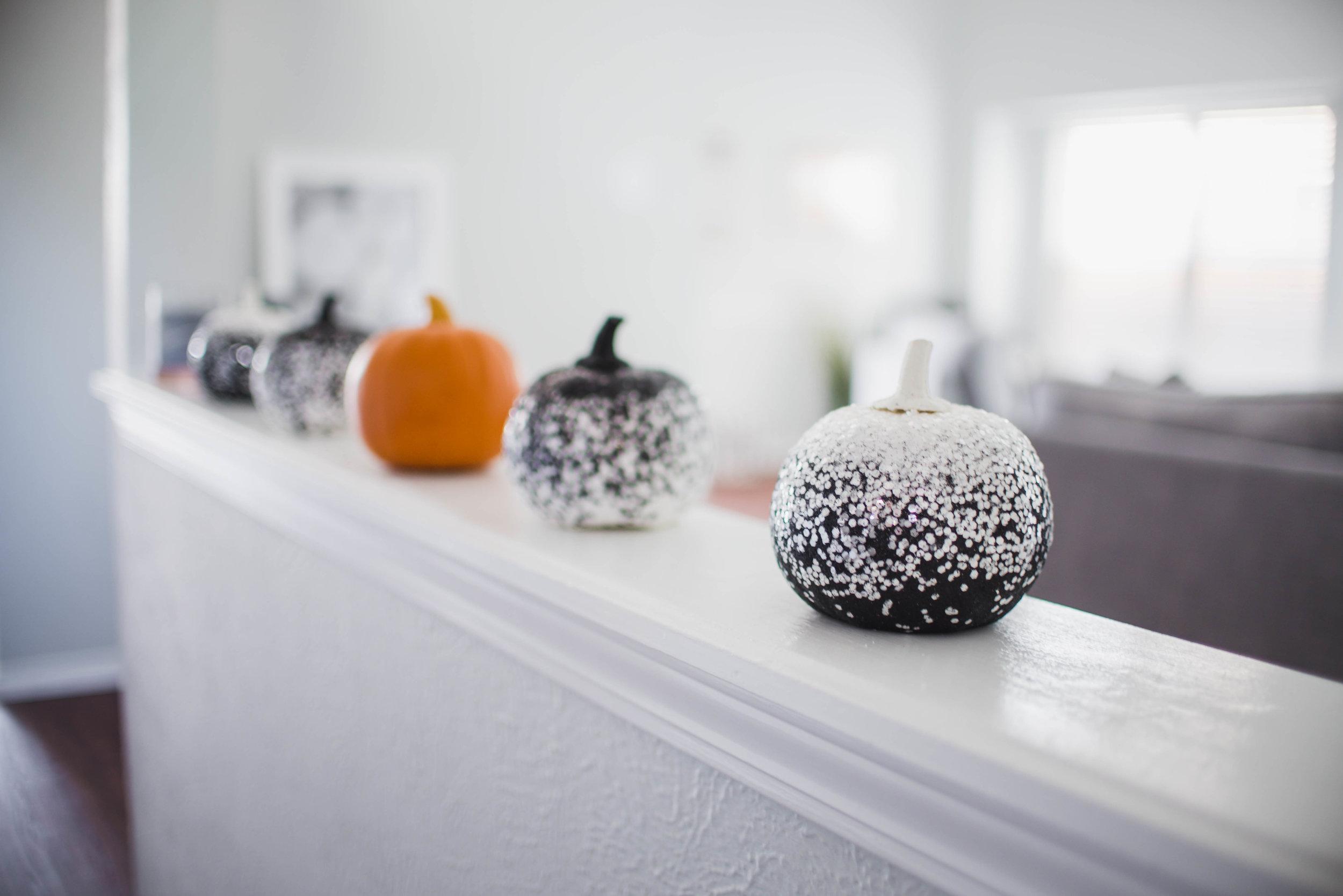 fall-halloween-decorations-38.jpg