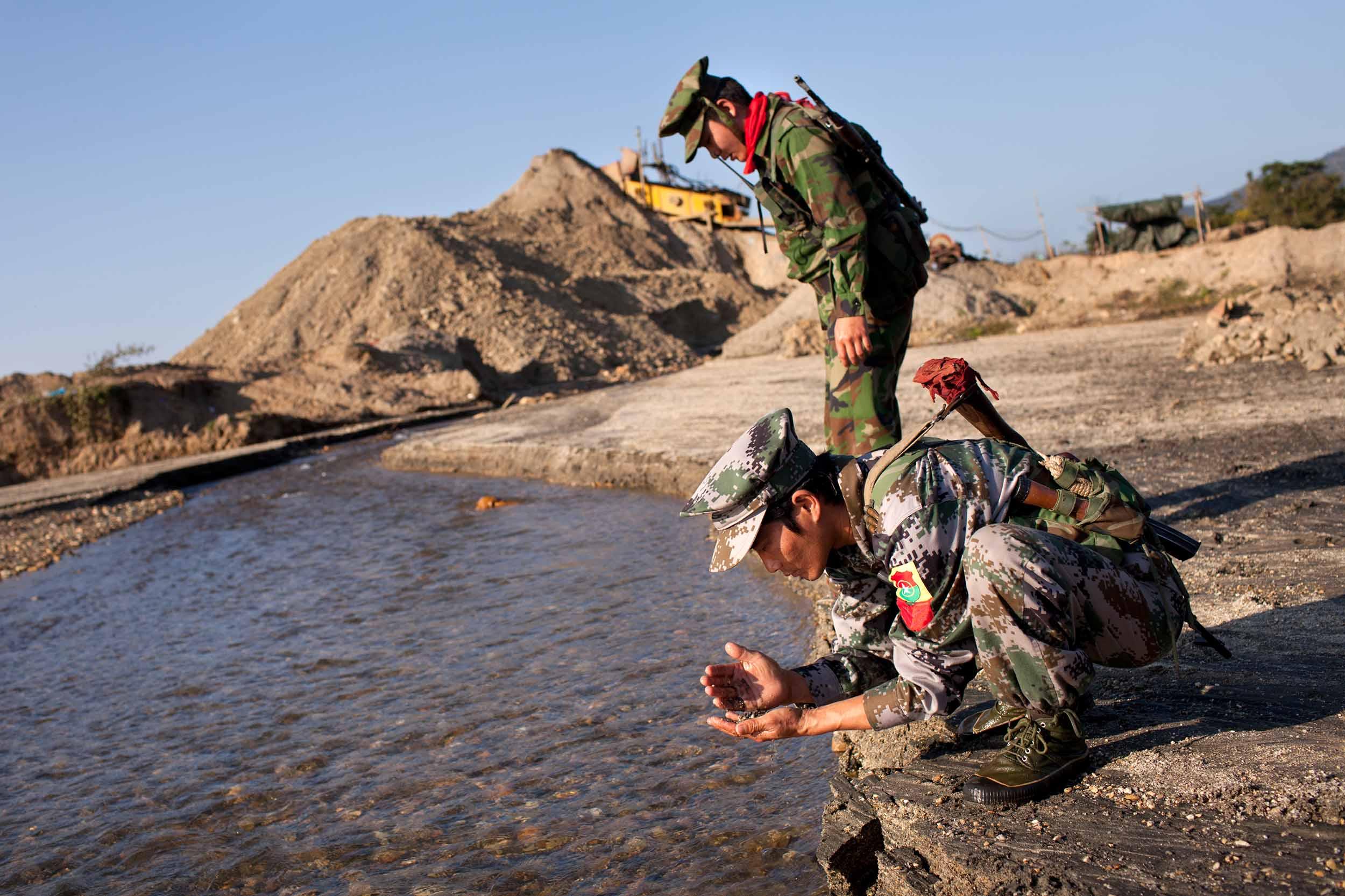 JRF_Burma_in_Revolt_13.jpg