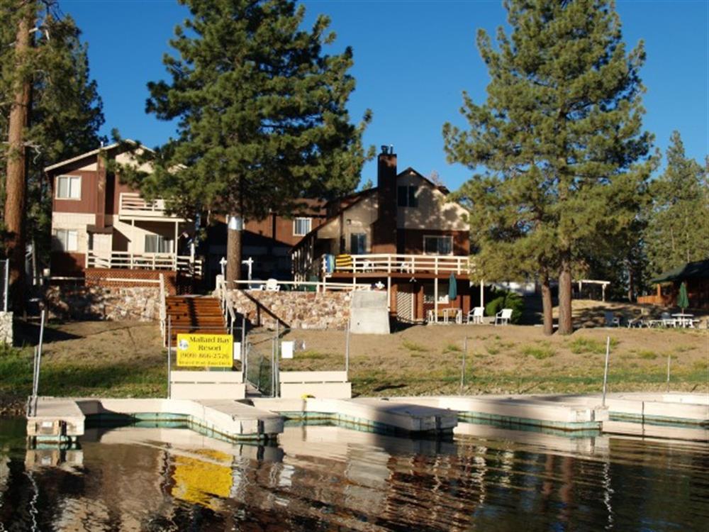 Lakeside-view-of-Mallard-Bay-Resort_1000.jpg