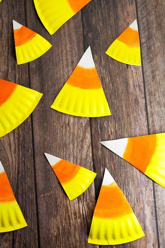 Paper-Plate-Candy-Corn-Banner-Tutorial-5.jpg