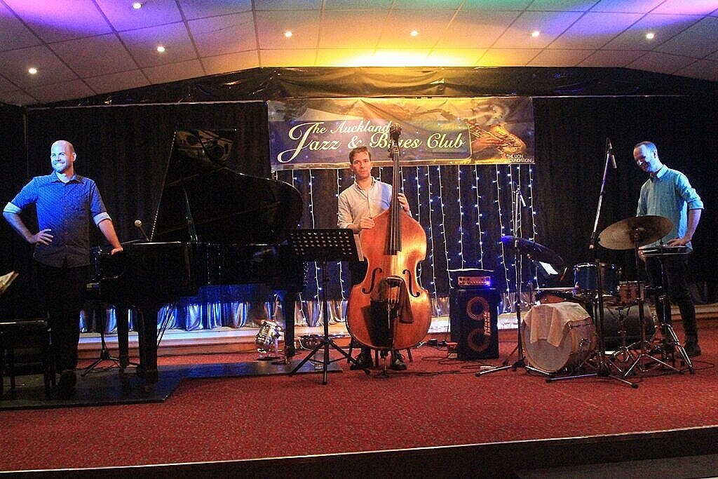 Steve Barry Trio_21-2-18