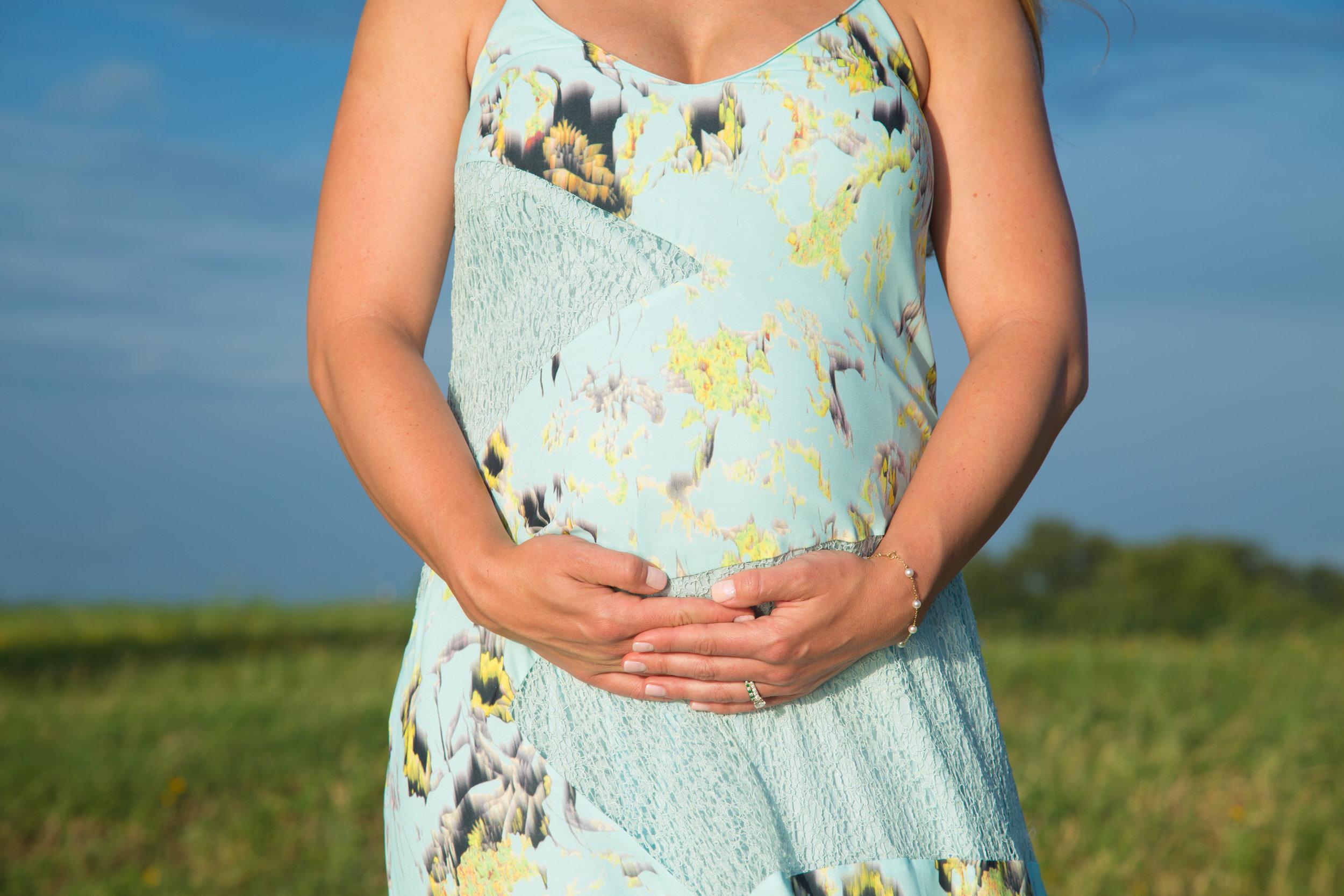 Charlotte Maternity-3.jpg