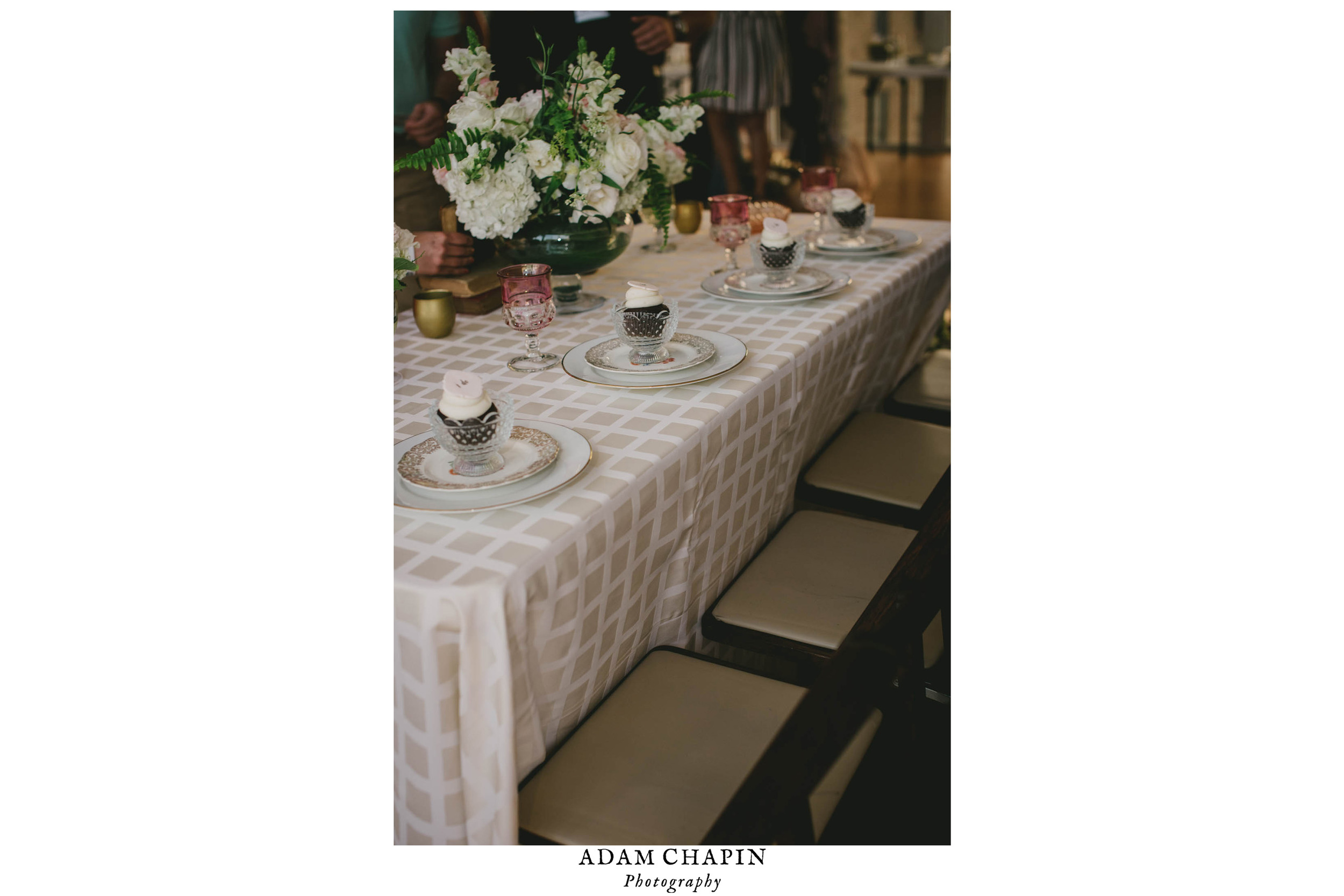 sweet and romantic styled wedding table photo