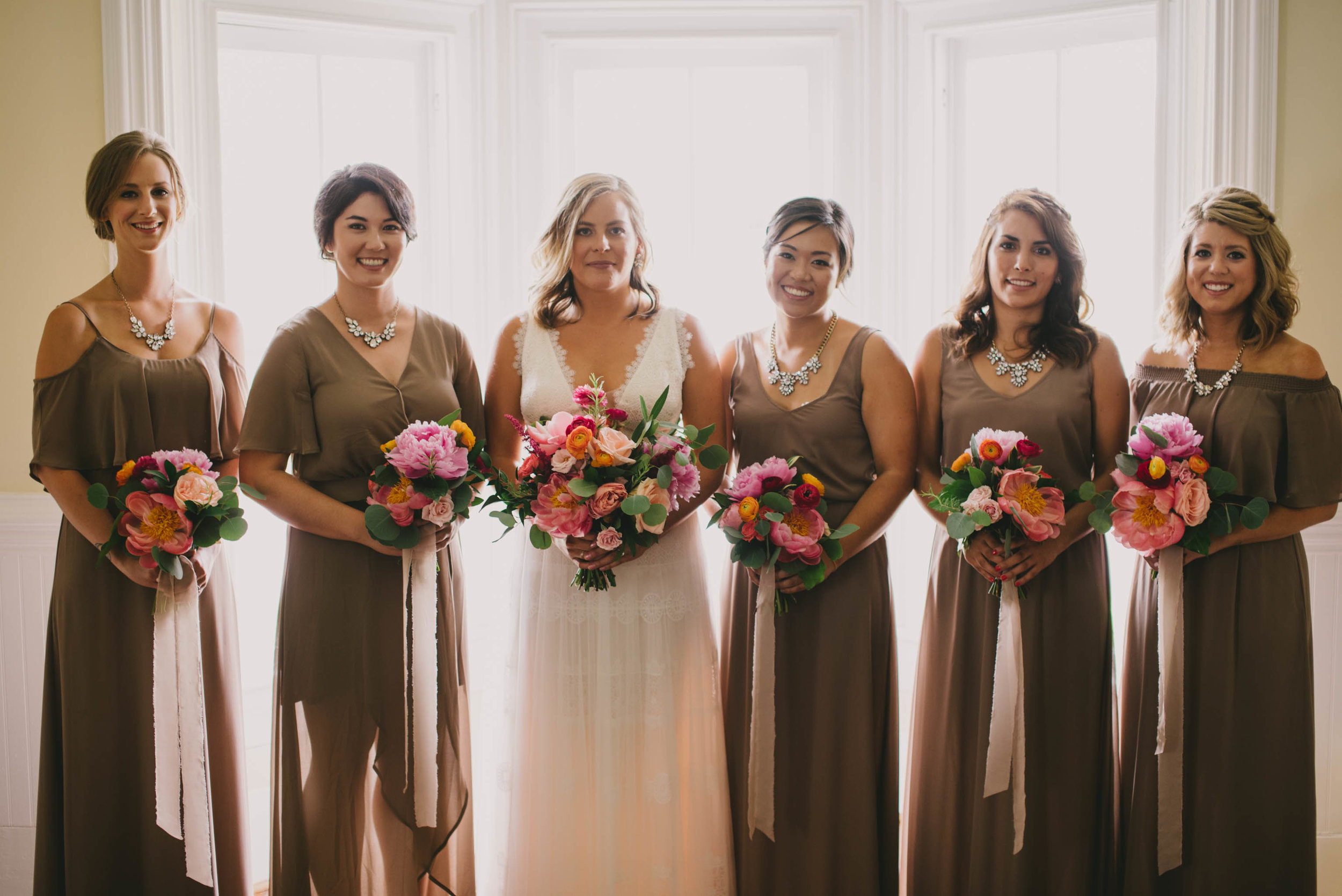 mims-house-wedding-bride-and-bridesmaids.jpg