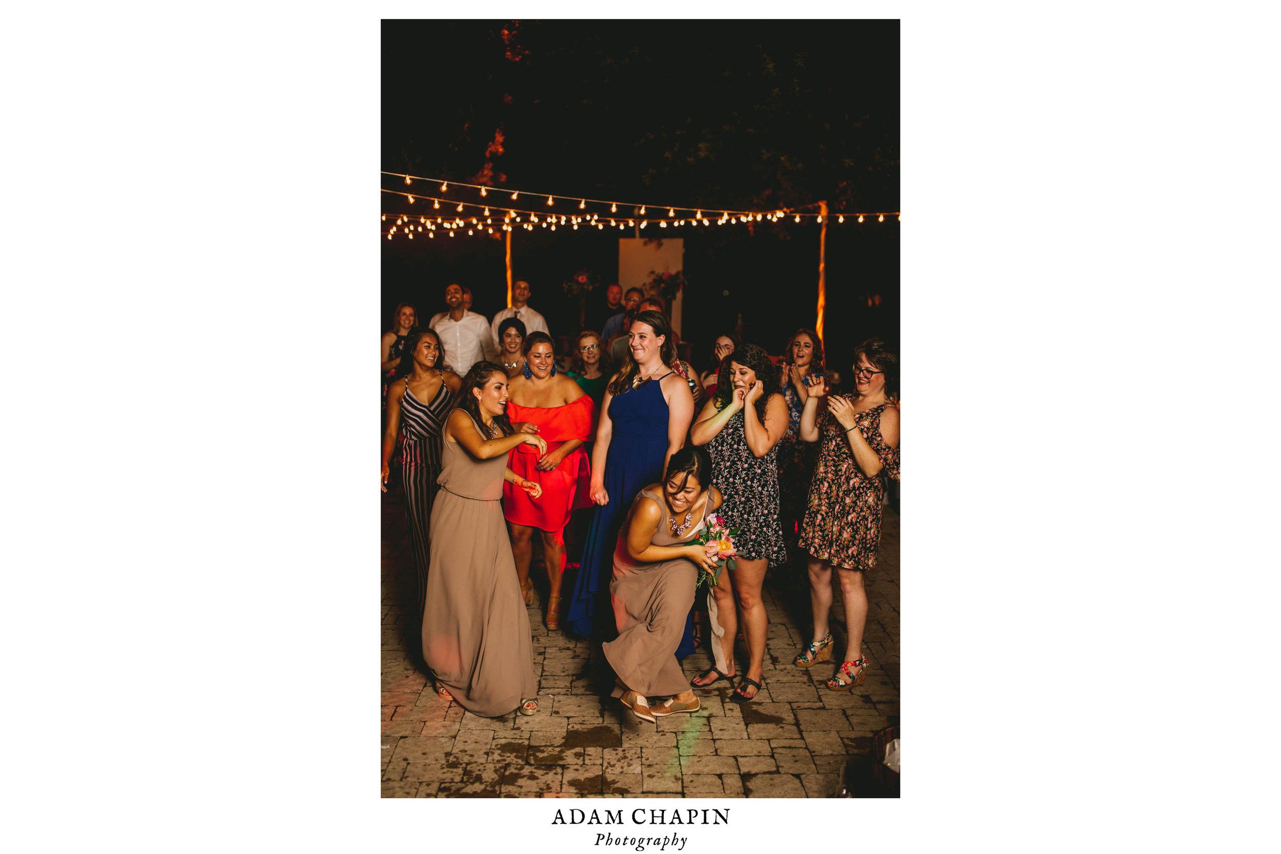 mims-house-wedding-bouquet-toss.jpg