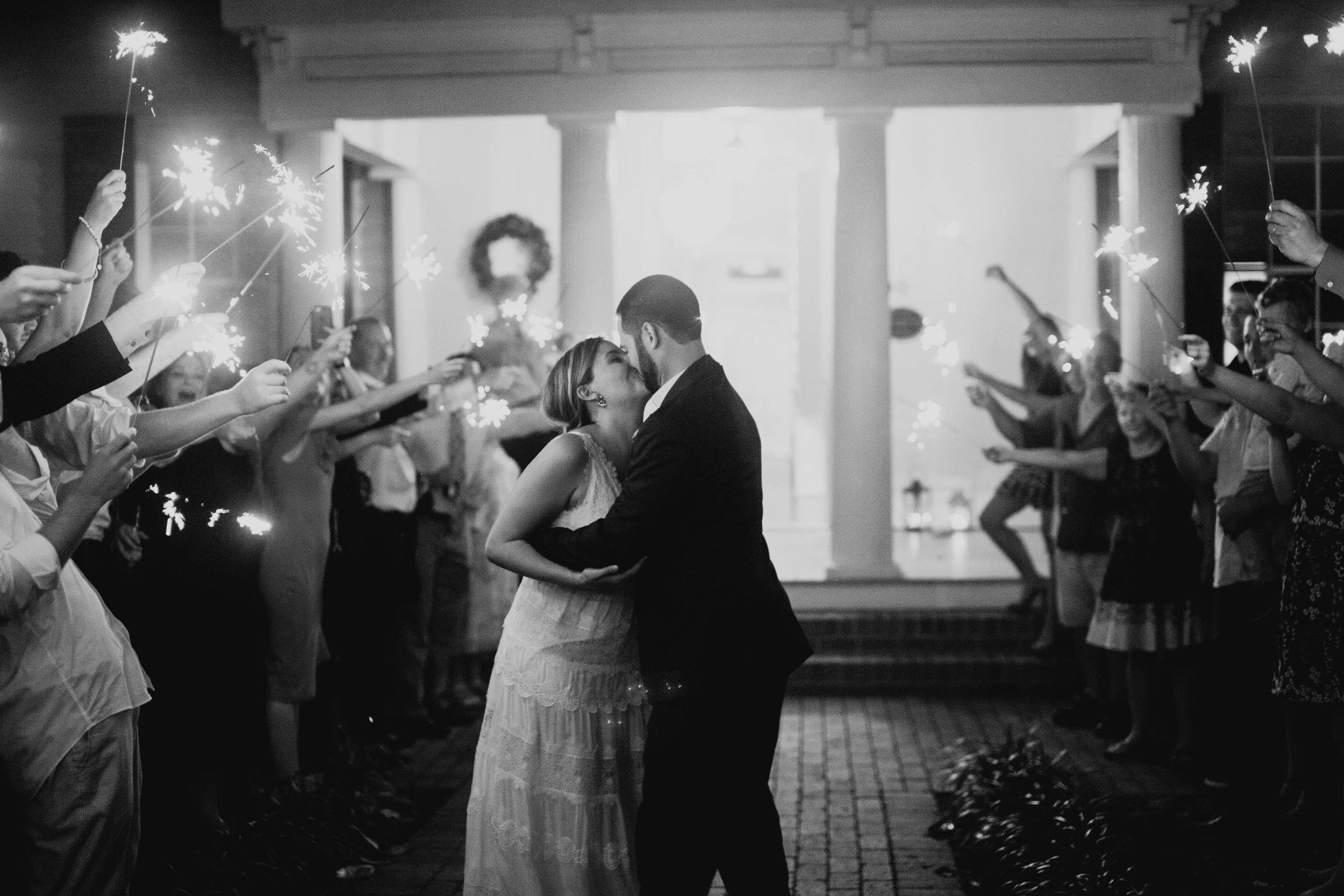 mims-house-wedding-bride-and-groom-kiss-photo.jpg