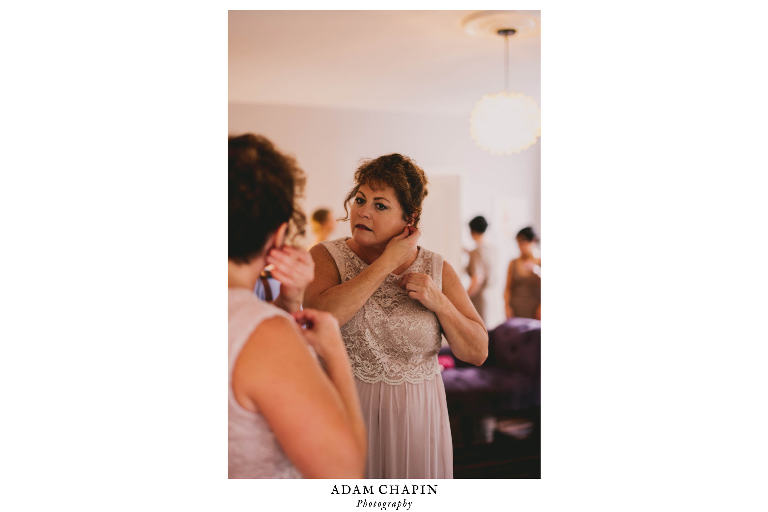 mims-house-wedding-mother-of-bride-gettting-ready.jpg