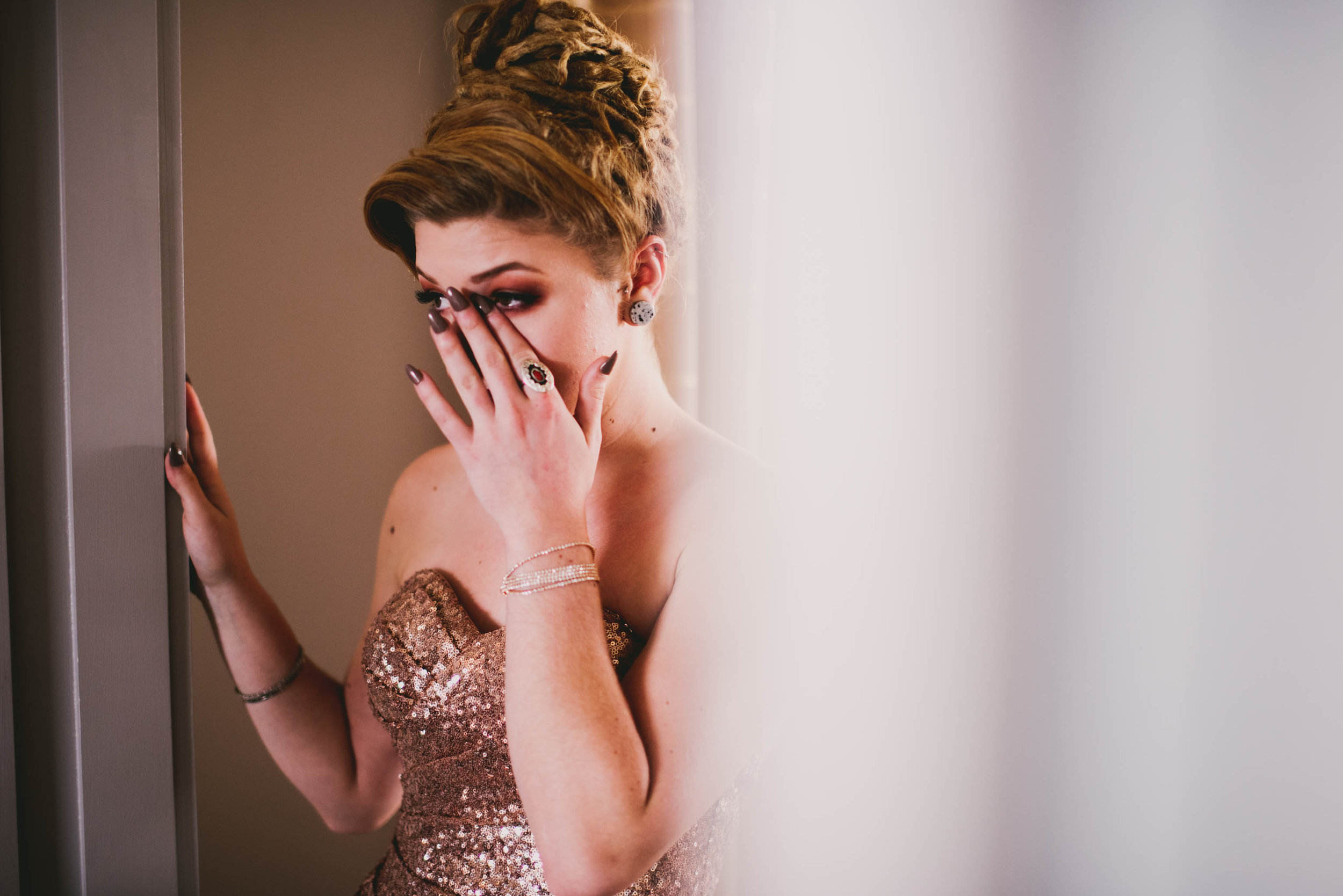 21c-hotel-durham-offbeat-wedding-bridesmaid-crying.jpg