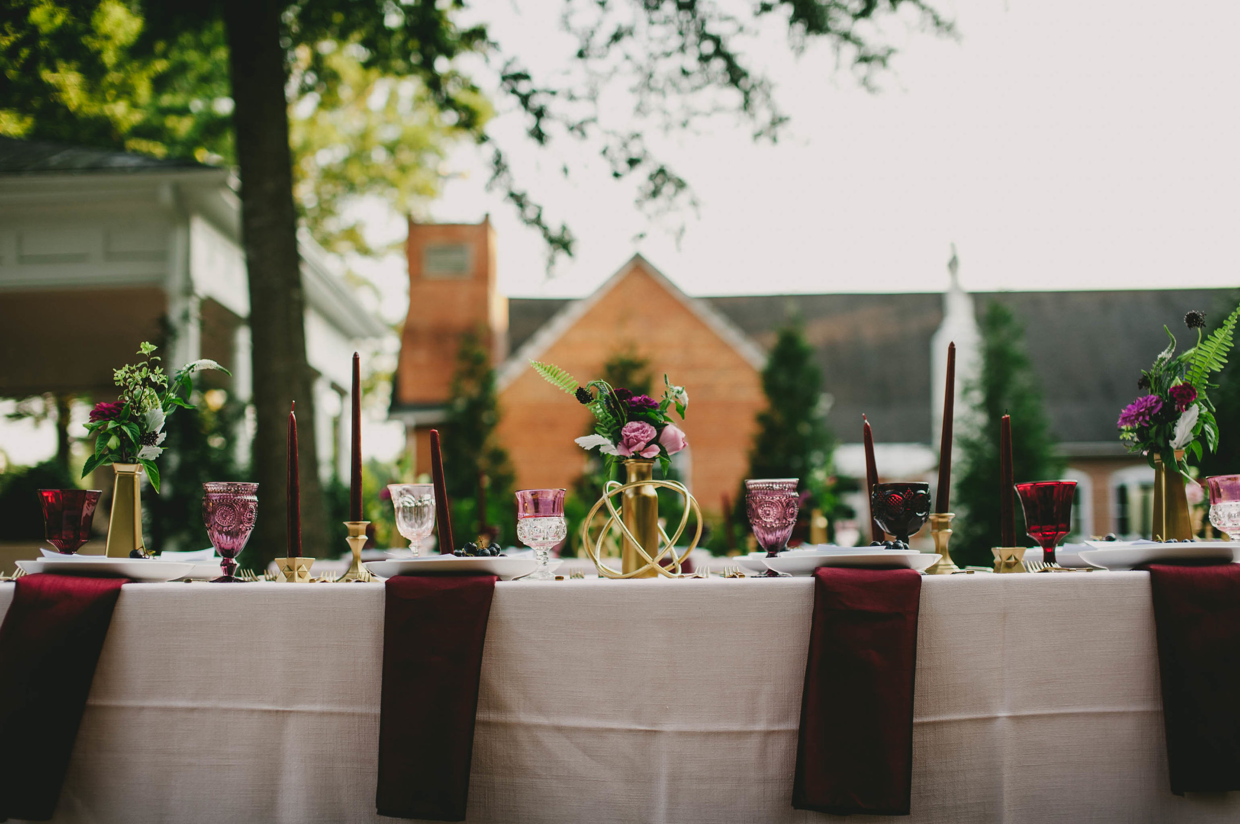 mims house wedding table details