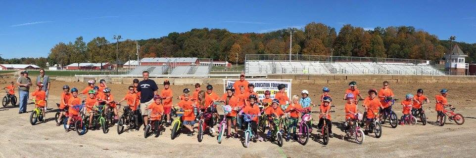 Tarhe Trails kids gather before the race